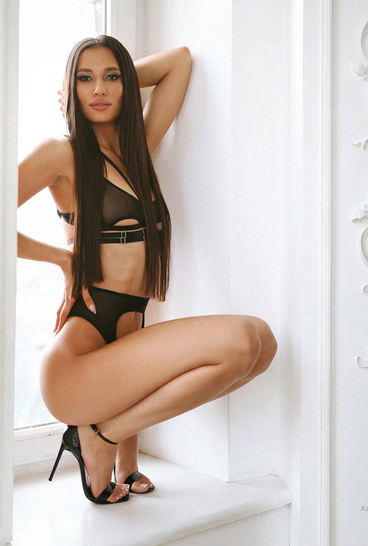 Анелия в черном нижнем белье / фото 02