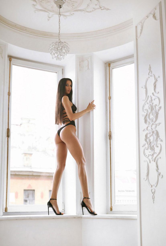 Анелия в черном нижнем белье / фото 03