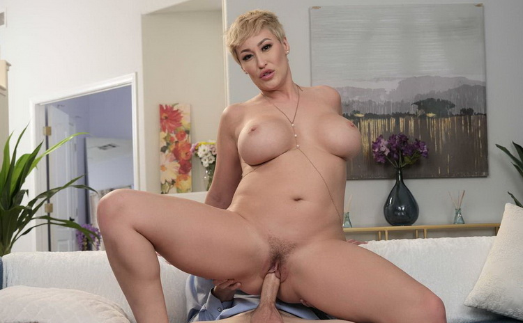 [MyFriendsHotMom/NaughtyAmerica] - Ryan Keely - Hot Milf Ryan Keely Catches Her Son's Friend Peeping On Her, So She Gives Him What He Wants! (2021 / FullHD 1080p)