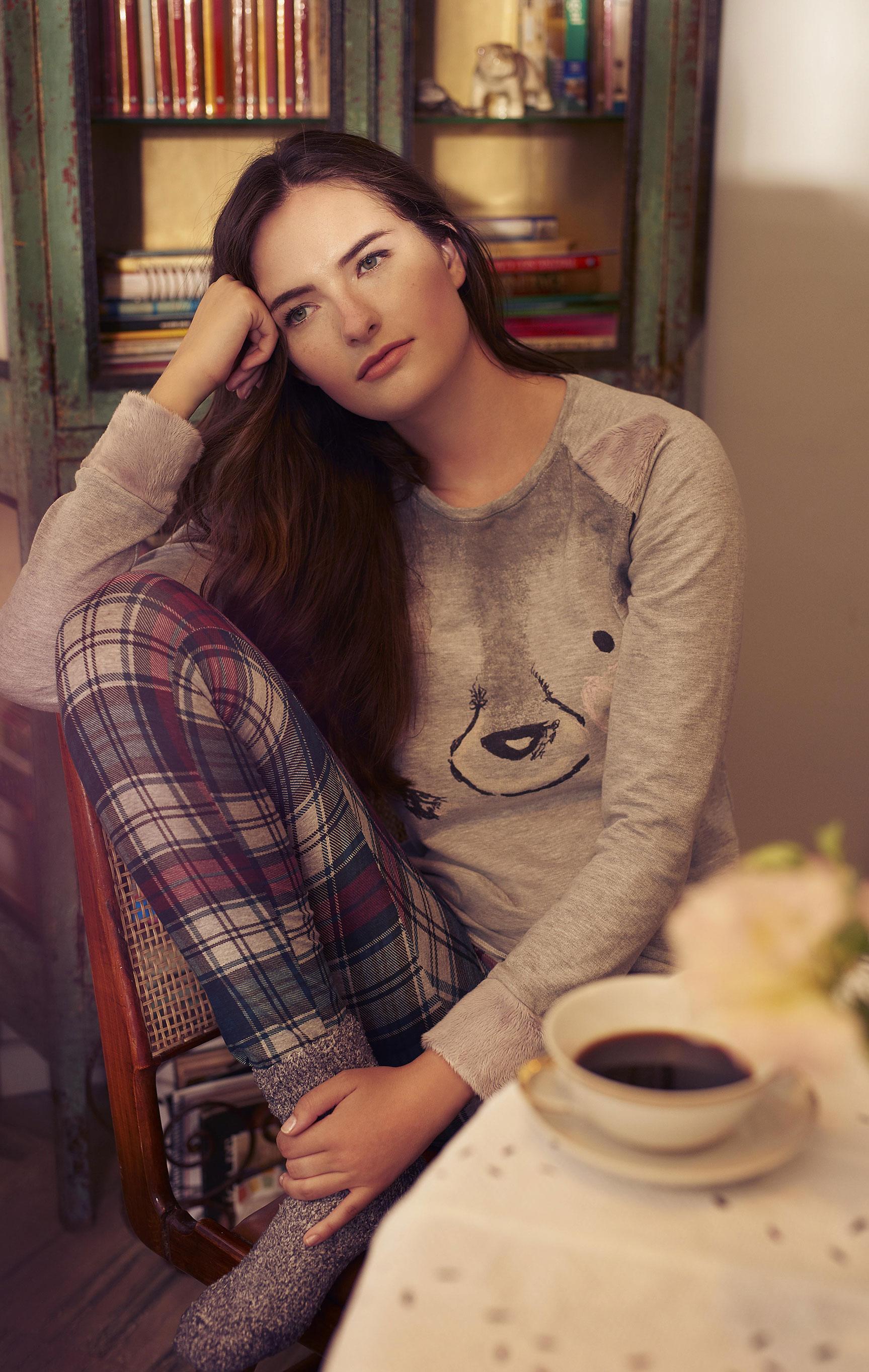 Бренда Фрейтас в нижнем белье и домашней одежде / фото 12