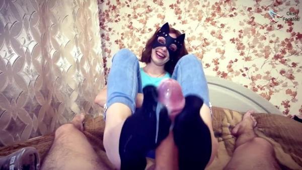 Oksifootjob: Oksifootjob - Beautiful girl doing a sockjob (FullHD) - 2021