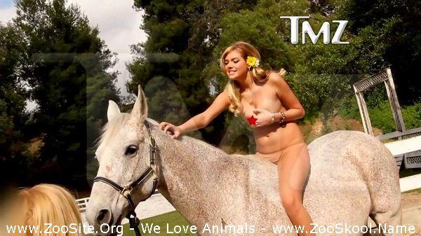 191910028 0144 fun kate upton   topless on a horse censored 1080p - Kate Upton - Topless On A Horse (Censored) [1080p]