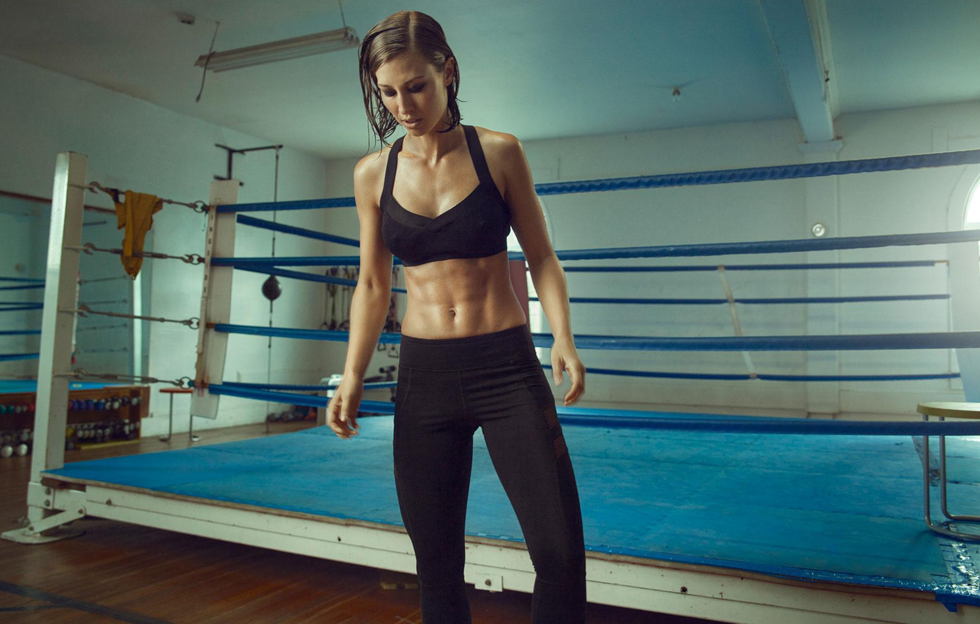 Санни Берри на боксерском ринге / фото 01