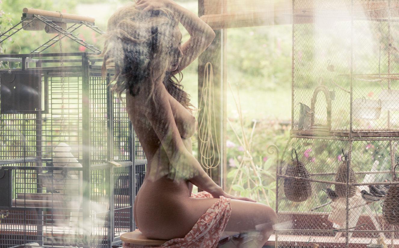сексуальная чешская модель Ники в домашней обстановке / фото 07