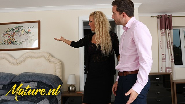 [MilfCurves] - Rebecca Jane Smyth - British Real Estate Agent Likes To Get Paid With Sex (2021 / FullHD 1080p)