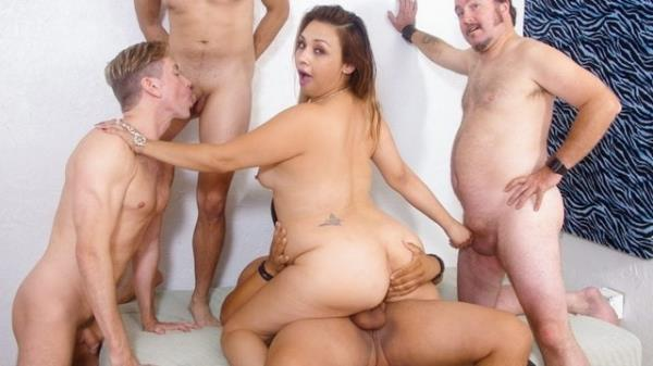 Hot BBW Girl Gets DP Gangbanged With Her Bisexual BFF - Unknown [WhiteGhetto] (FullHD 1080p)