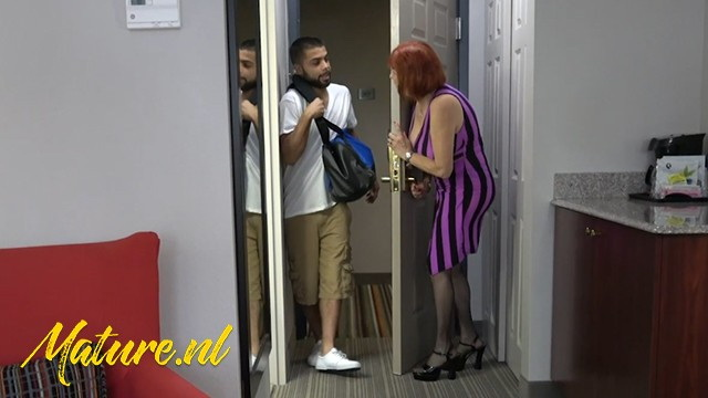 Unknown - Mechanic Came To Fix The Airco But Ended Up Fucking A Busty Grandma In Her Ass: 194 MB: FullHD 1080p - [MomsLoveAnal]