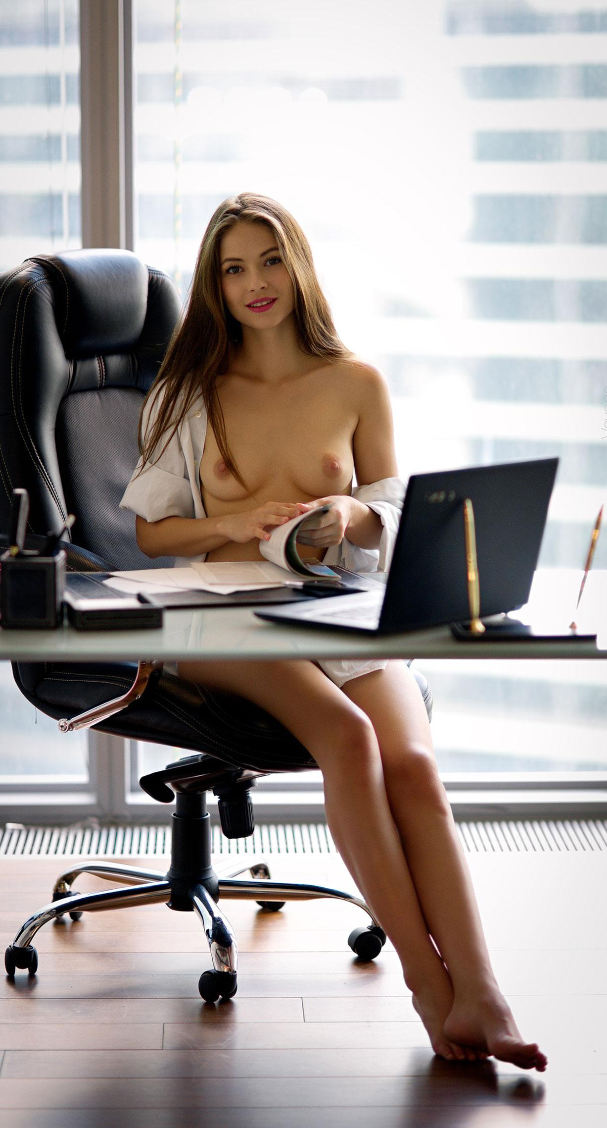 сексуальная Виктория Алико в роли секретарши мечты / фото 02