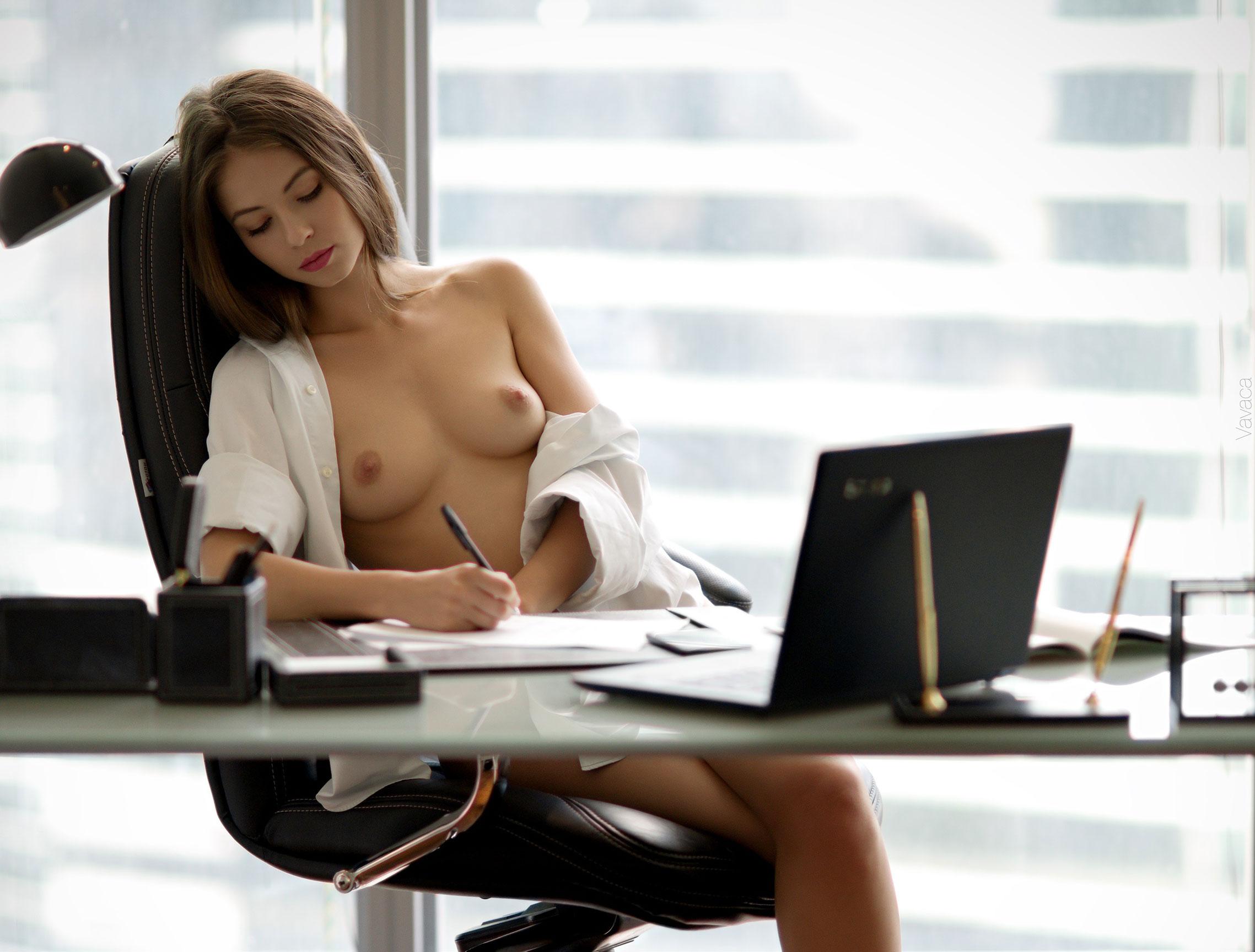 сексуальная Виктория Алико в роли секретарши мечты / фото 03