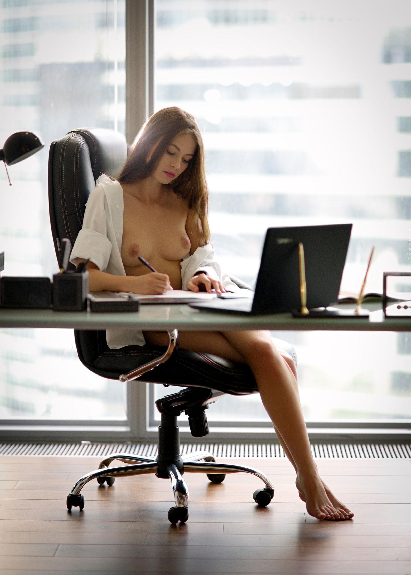 сексуальная Виктория Алико в роли секретарши мечты / фото 04