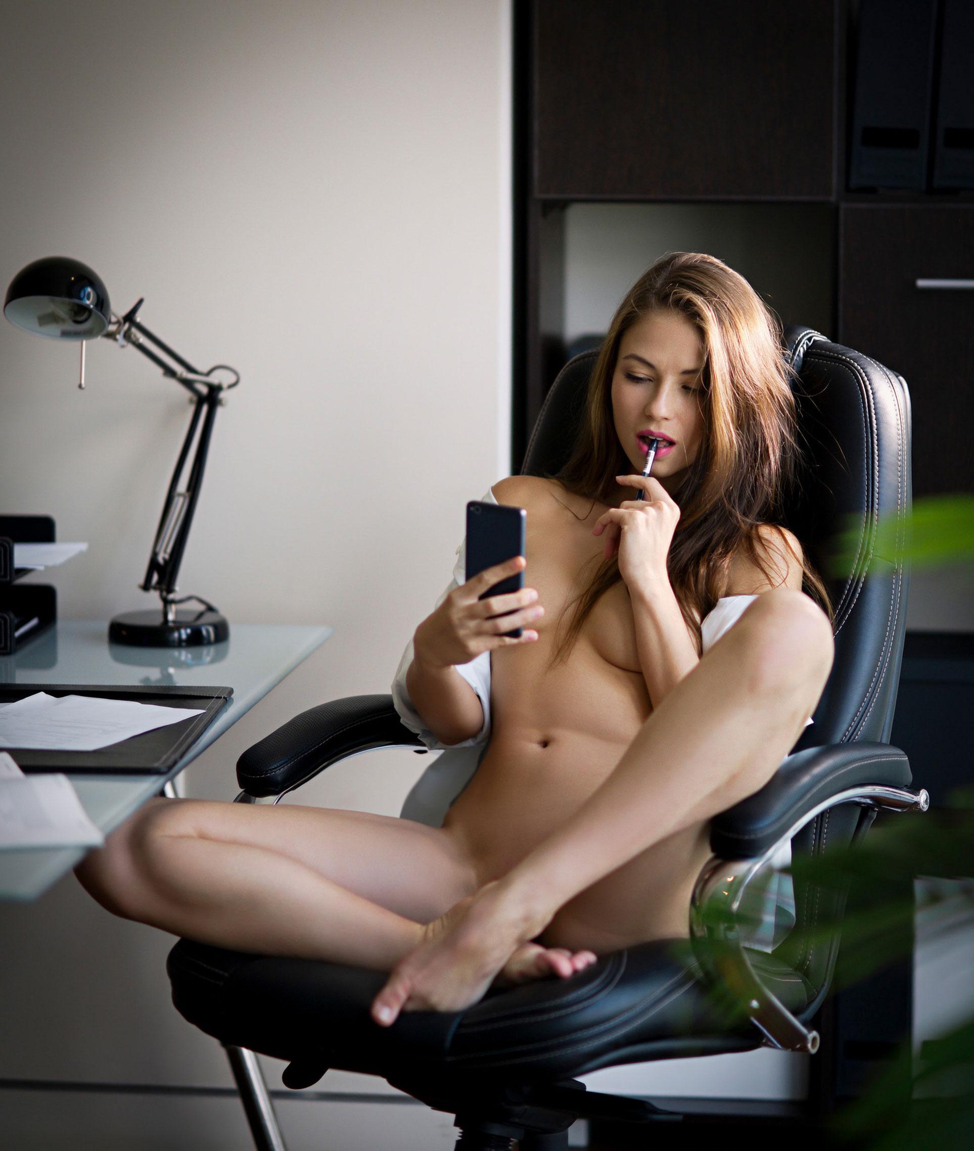 сексуальная Виктория Алико в роли секретарши мечты / фото 07