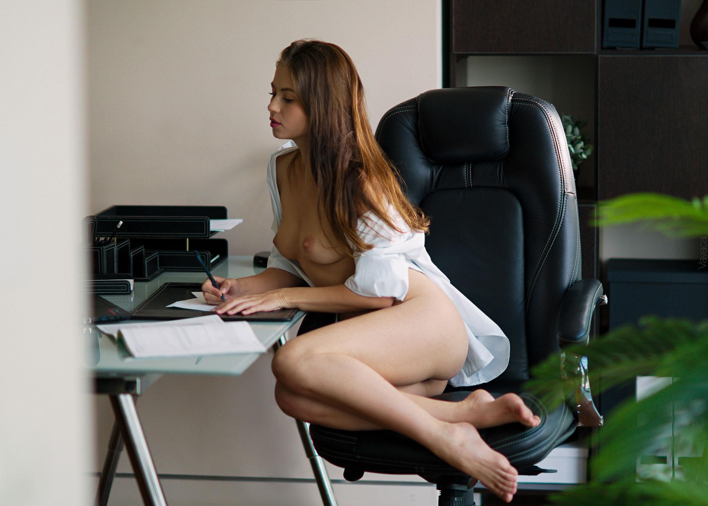 сексуальная Виктория Алико в роли секретарши мечты / фото 08