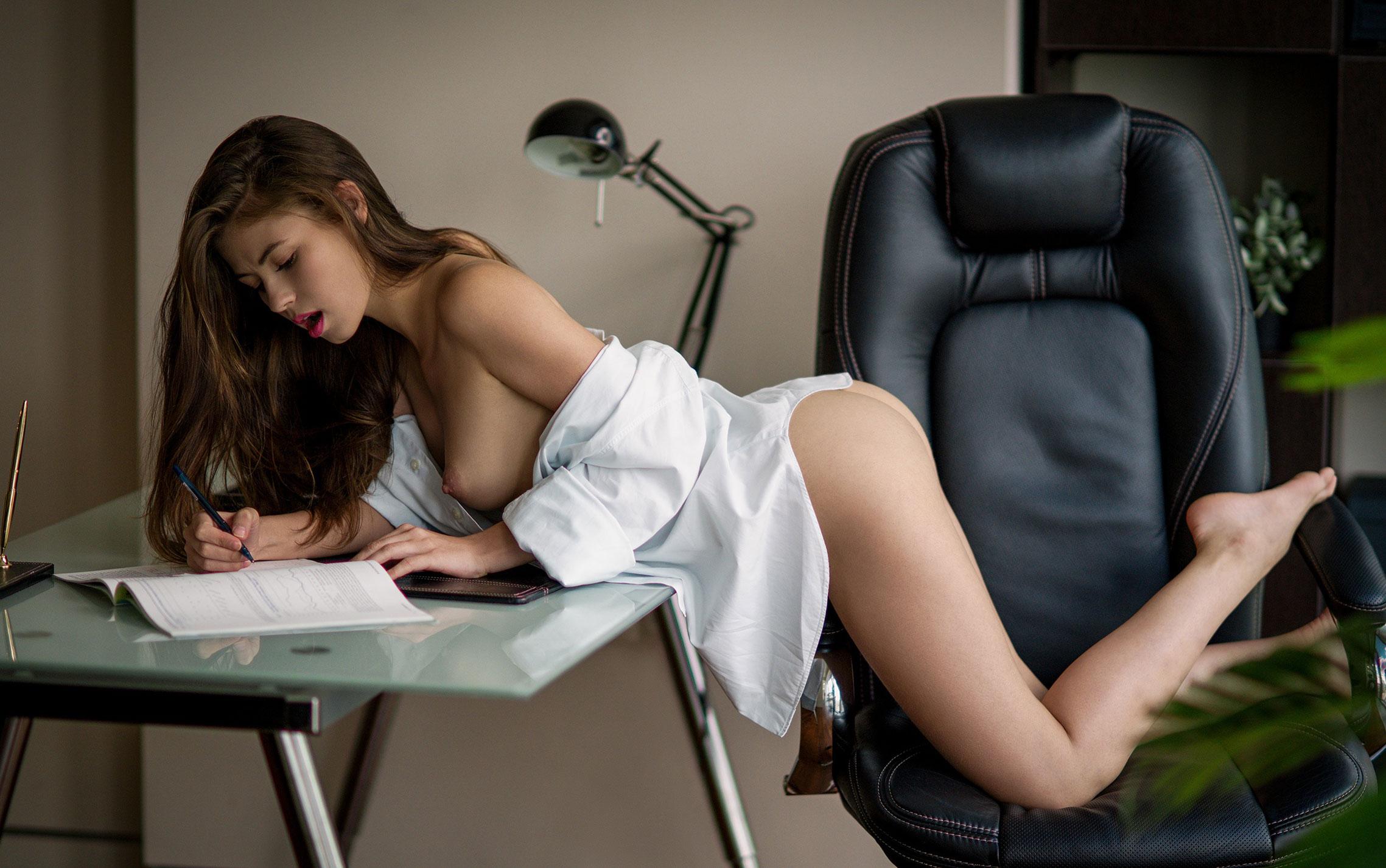 сексуальная Виктория Алико в роли секретарши мечты / фото 09