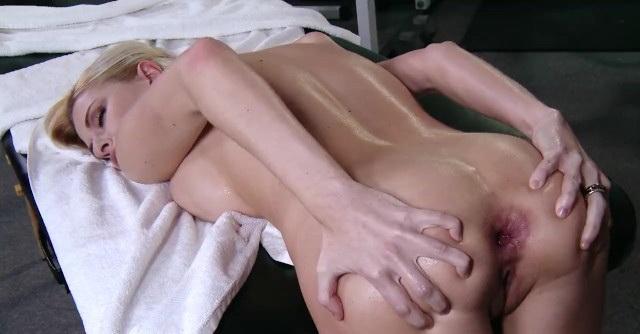 [Brazzers] - Riley Evans - Big-tit blonde bombshell Riley Evans loves deep rough anal (2021 / HD 720p)