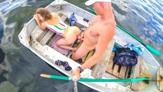 [MiaBandini] - Mia Bandini - Public anal fucking on boat (2021 / FullHD 1080p)