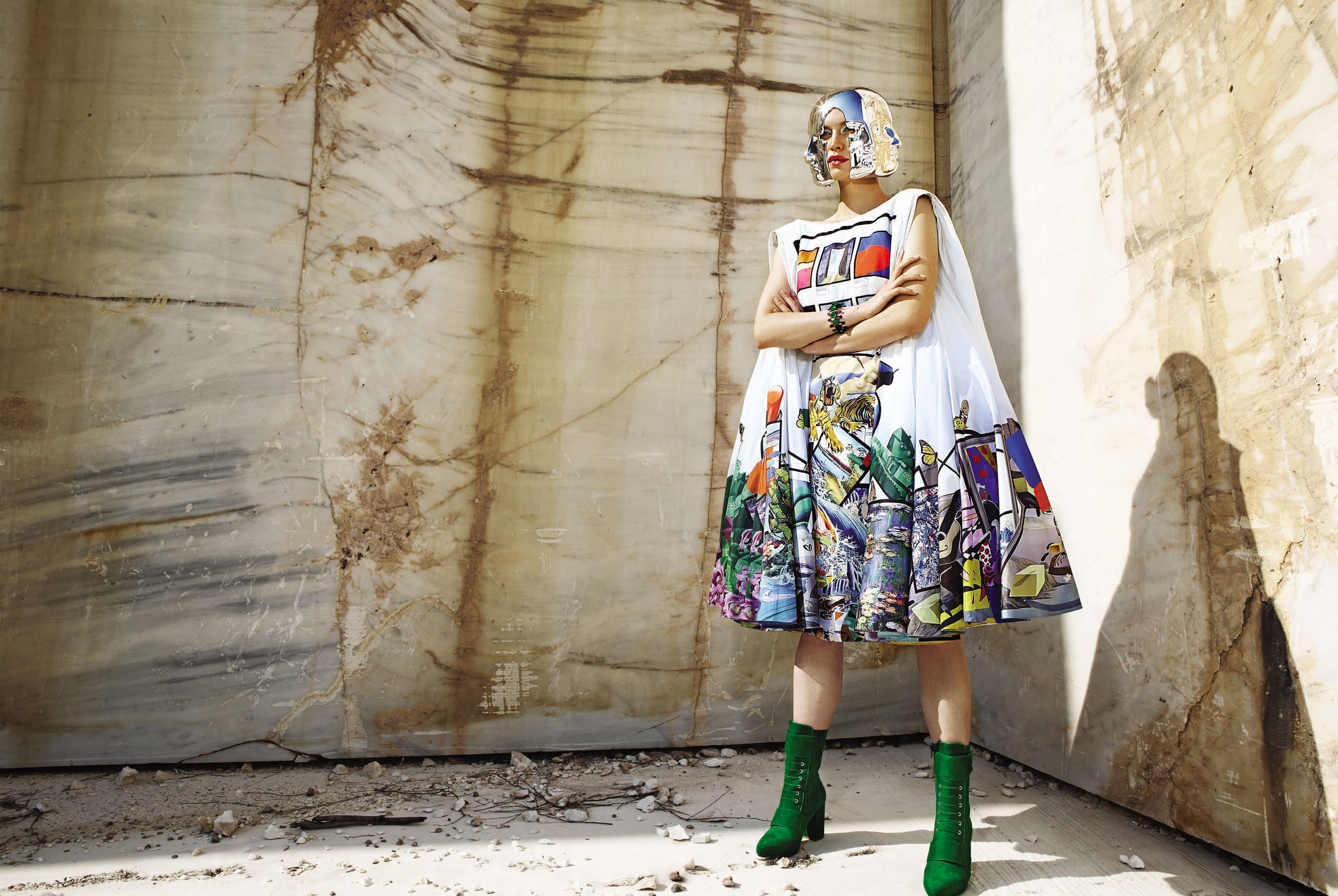 Юлия Забровская примеряет доспехи космического Одиссея / фото 08