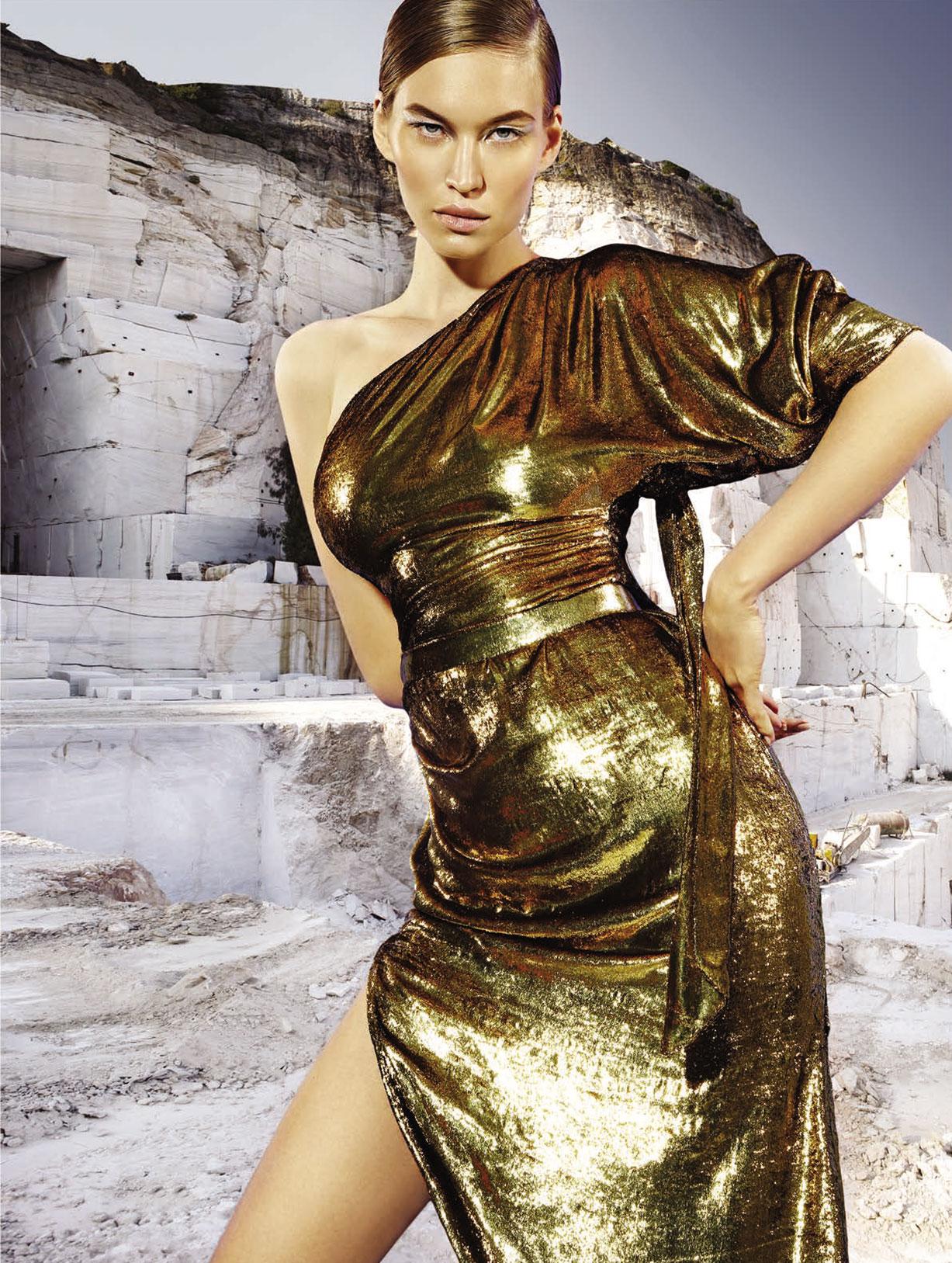 Юлия Забровская примеряет доспехи космического Одиссея / фото 11